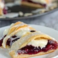 Raspberry Cream Cheese Crescent Ring