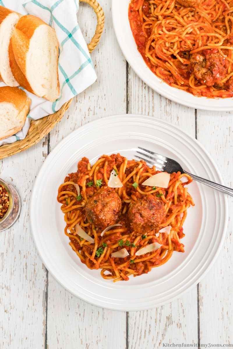 Homemade Spaghetti and Meatballs Recipe in a serving bowl.