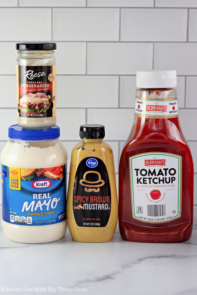 ingredients for homemade bloomin' onion sauce.