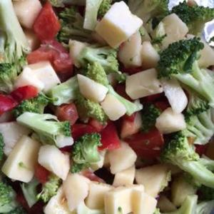 A Perfect Broccoli Apple Salad Recipe to Include in 21-Day Fix Meal Planning