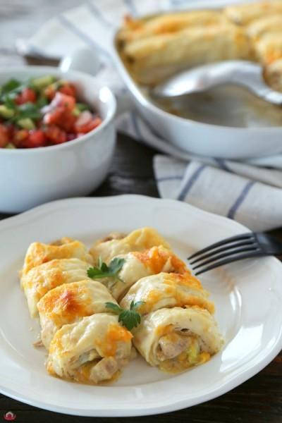 Beşamel Soslu ve Tavuklu Tortilla Rulo
