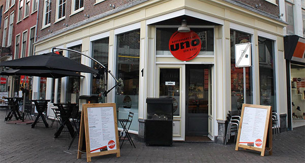 Bar-restaurant UNO in Den Haag