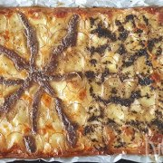 Pizza met aardappel, ansjovis en truffeltapenade