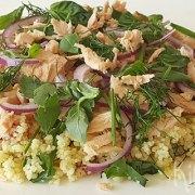 Couscous-kruidensalade met tonijn