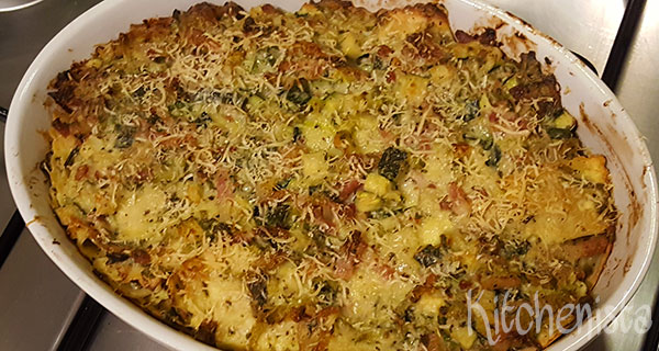 Ovenschotel met ravioli, spek en groenten