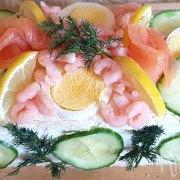 Smörgåstårta (Zweedse hartige broodtaart)