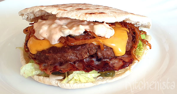 Pita smoky bacon & cheeseburger