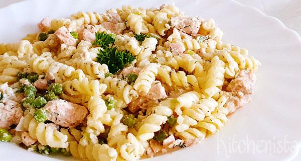 Snel klaar: pasta met tuinerwten en zalm