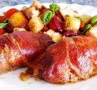 Kiprolletjes met prosciutto, mozzarella, tomaatjes en pesto