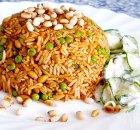 Pilav met kip, tuinerwten, pijnboompitjes en dille
