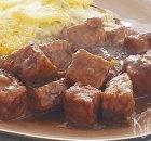 Vegetarische of vegan hachee van tempeh of tofu