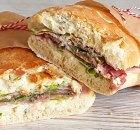 Gevulde ciabatta met ham, rosbief en port salut