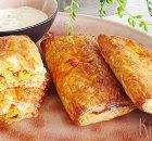 Kipshoarma bladerdeegbroodjes met knoflooksaus