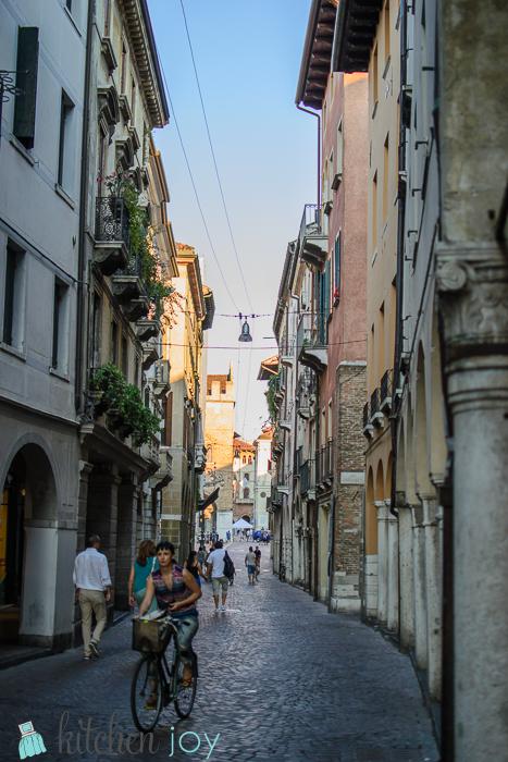 Kitchen-Joy-Life-in-Italy (3)