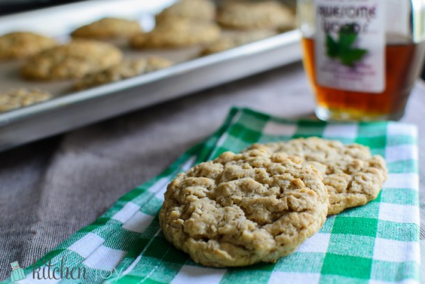 Chewy Maple Brown Sugar Oatmeal Cookies - Kitchen Joy