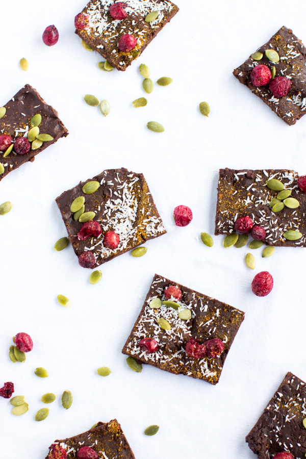 Christmas Bark made in 30 minutes or less with 6 ingredients. No mess or baking required + it's a healthy and delicious holiday treat! Paleo, vegan, + clean eating friendly.