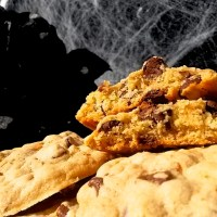 Vampire Week: Santa Carla's County Fair Winning Roasted Garlic Chocolate Chip Cookies