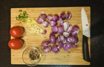 Onions tomatoes curry ingredients