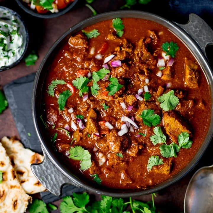 cats in the kitchen all wood table healthier slow cooked spicy beef curry - nicky's ...