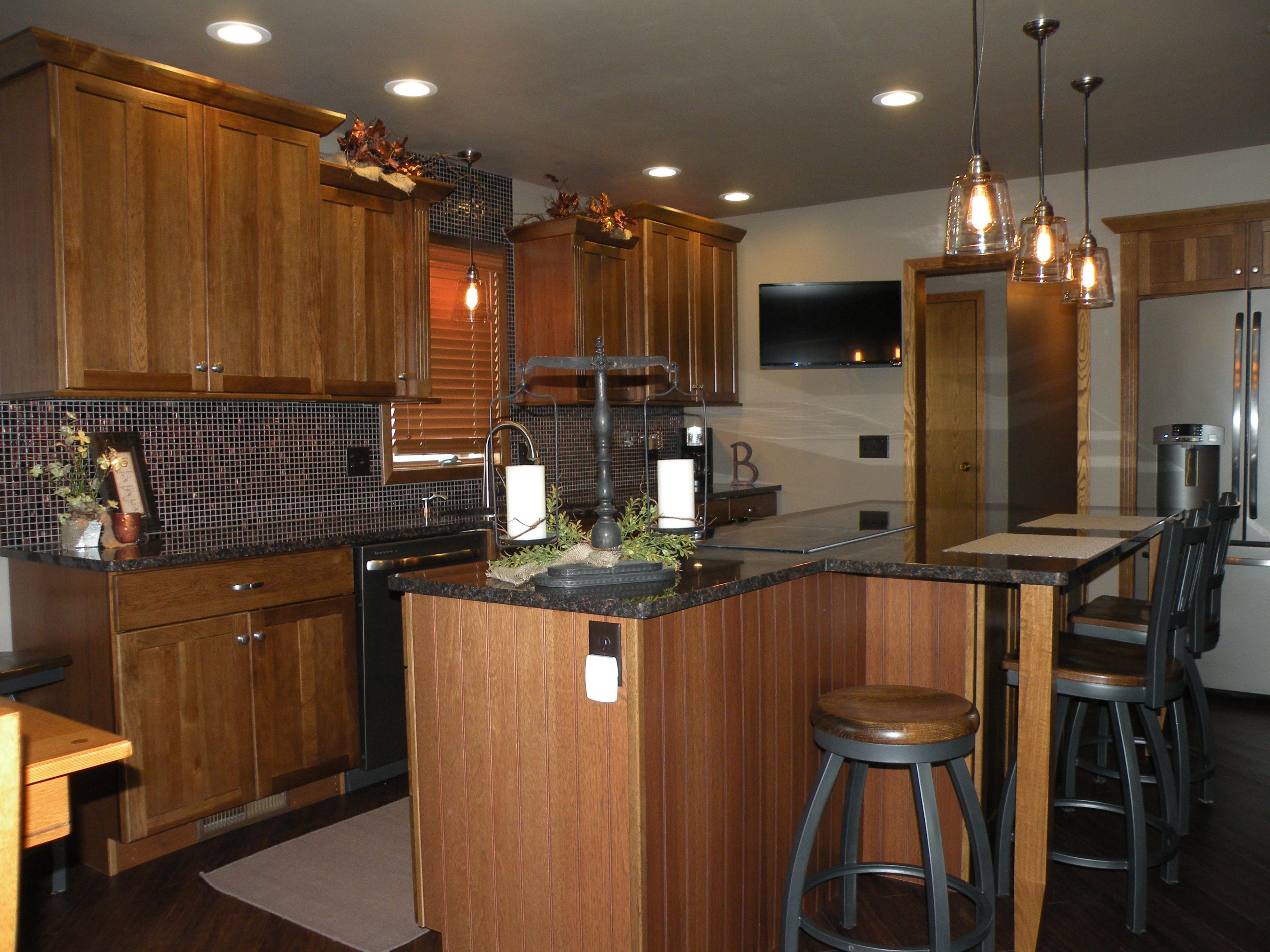 Hickory Cabinets With Granite Countertops