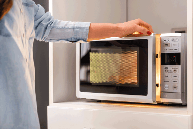 How To Clean Inside A Microwave [A Complete Guide] - Kitchen Seer