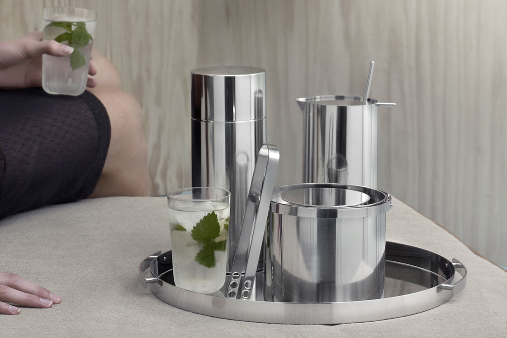 KitchenSpain Stelton Wine & Bar Cylinda Ice Bucket, Tongs, Shaker with Spoon and serving Tray in Stainless Steel