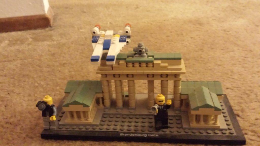 Lego model of Brandenburg Gate.