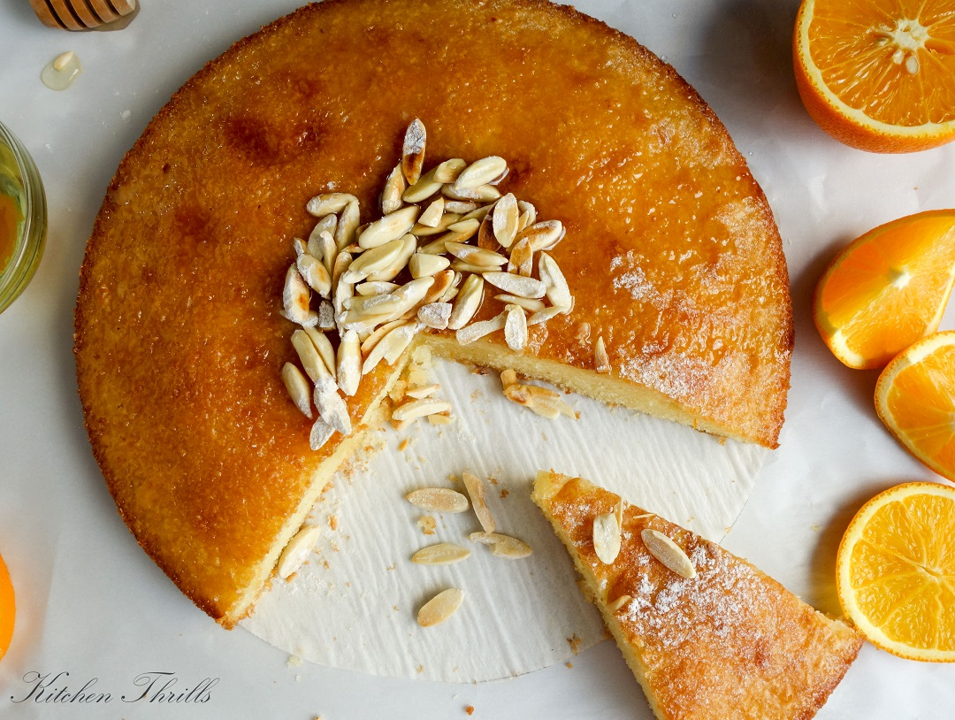 Quick and easy semolina cake with an intense orange flavour. Tastes best the next day.