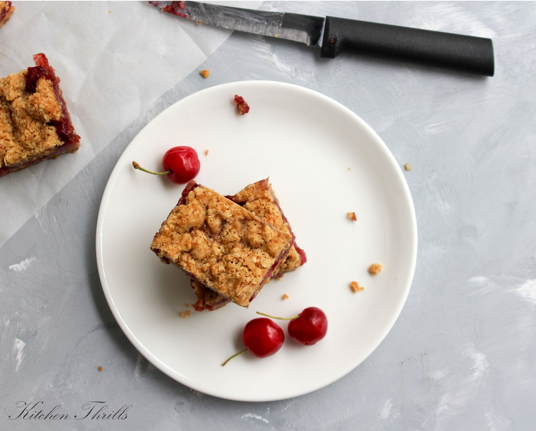 Simple and super easy homemade cherry oats bar is the best breakfast for a busy morning.