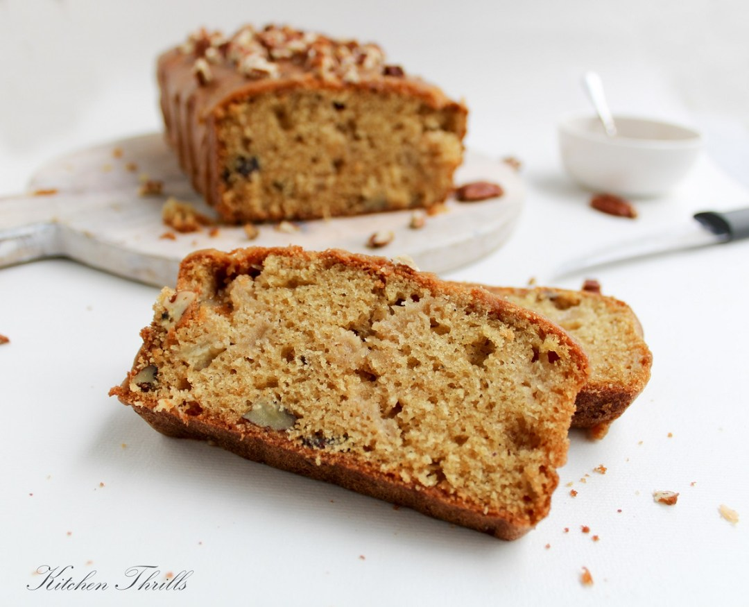 A healthy apple cinnamon cake that makes your home smell like Christmas morning. The easy make ahead whole wheat cake for the holidays.