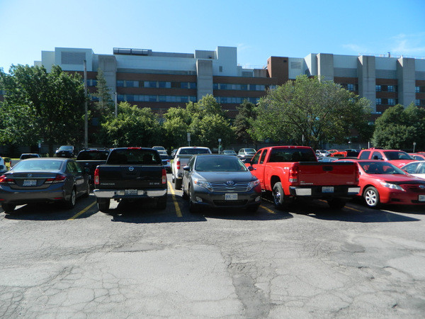 The current parking lot next to the University of Ottawa Heart Institute on Ruskin Street could see a new two-storey parking garage that would accommodate up to 700 vehicles.
