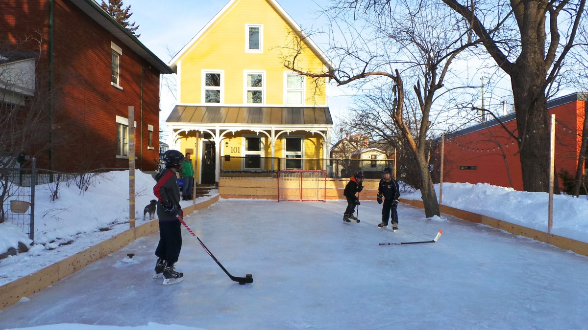 Shinny happy neighbours: Is this Bayswater rink the best in Kitchissippi?