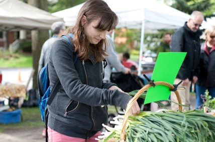 Sarah Harvey picks out fresh picked wild garlic