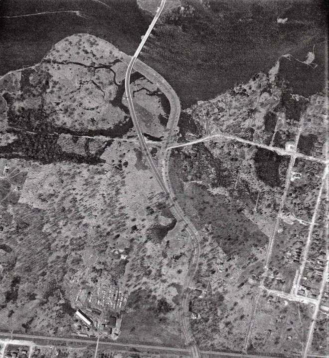 History sleuths listen up! There's a Kitchissippi mystery in this photo that needs solving. It dates way back to when Scott Street was a mere trail. Click on the image above to embiggen.