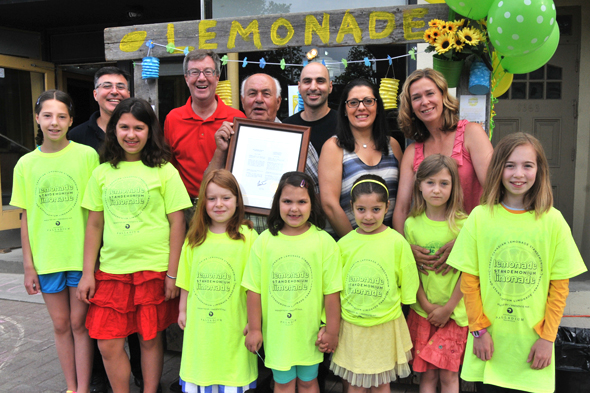 (L-R) Tony Hatoum, Mayor Jim Watson, John Hatoum (founder of John's Family Diner), Peter Hatoum, Antonella Hatoum, and one of the organizers of The Great Canadian Lemonade Standemonium, Julie Findlay. Photo by Gord Johnson.