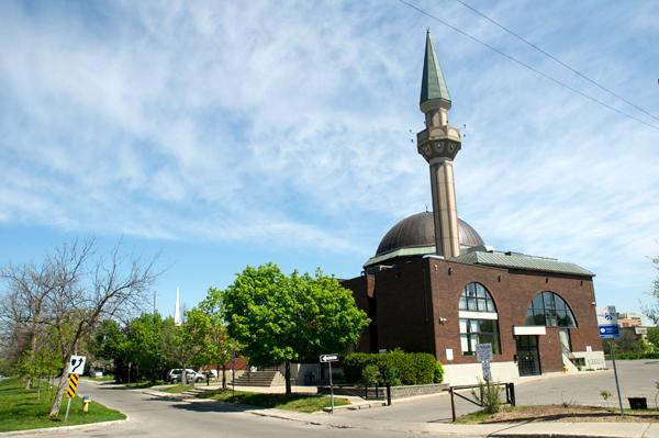 Ottawa Main Mosque. Photo by Andrea Tomkins