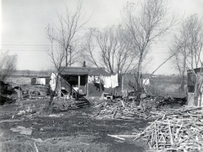 North end of Parkdale Avenue shanties. Photo CA-19803 courtesy of the City of Ottawa archives.