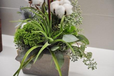 Holiday decor was provided by Flowers Talk Tivoli
