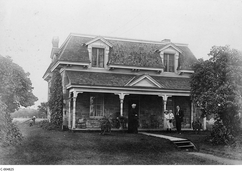 Stewart farmhouse circa 1920 (Library Archives Canada)