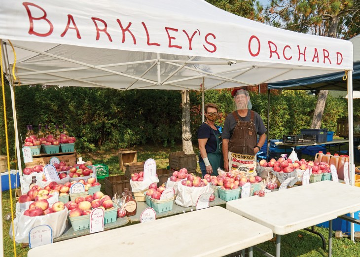 A photo of Barkley's Orchard stand in Kitchissippi.