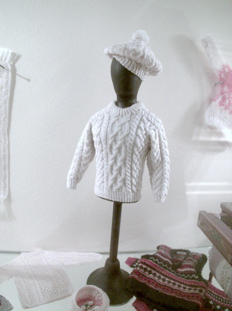 TinySweaters01