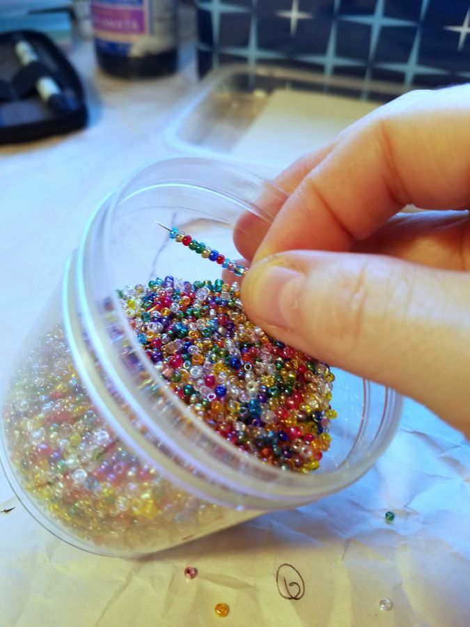 beads-in-jar_web