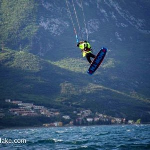 cambio di direzione con il kitesurf