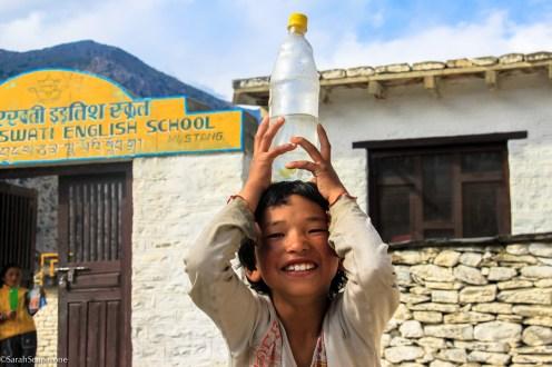 Una scuola vicino a Marpha, sulla strada verso il Tempio