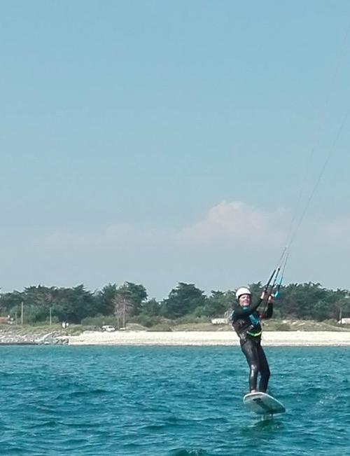 Apprendre le kitefoil chez Kite Inside à Oléron