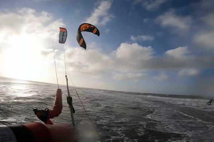 Rules kite surfing. Prevent a kite crash