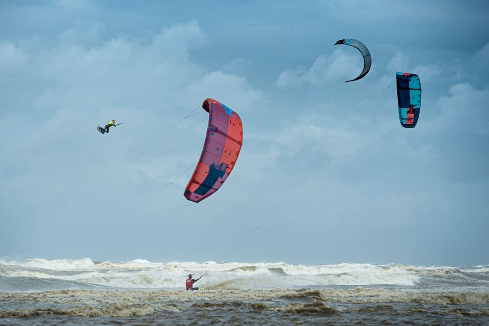 Competition calendar-Dutch-Championships-kite surfing Red Bull Megaloop