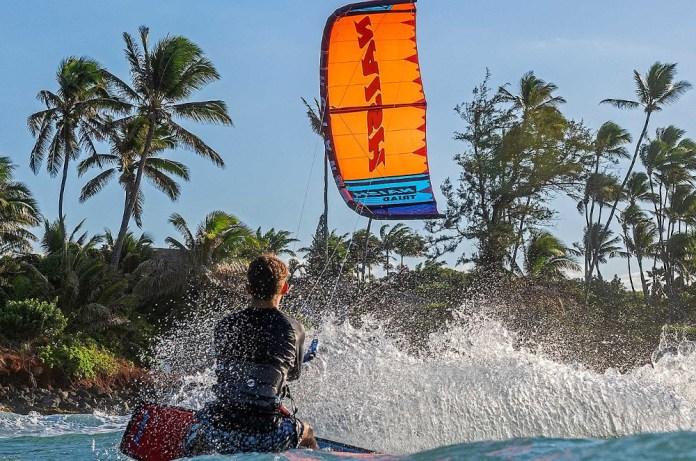 Kitesurf-kite-reviews-2020-naish-triad