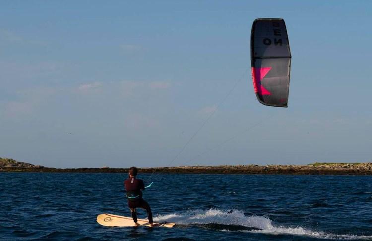 hoeveel-wind-nodig-om-te-kitesurfen-takoon-tiki