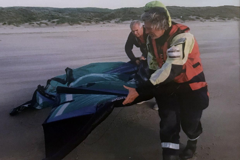 Kitesurfer gered